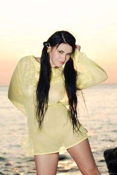 fhg eroticbeauty 2014-05-13 PRESENTING_JANET_B_1