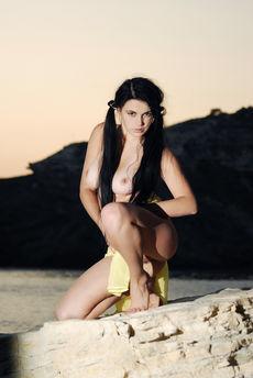 fhg eroticbeauty 2014-05-27 PRESENTING_JANET_B_2