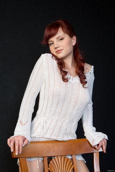 http://fhg.rylskyart.com/2013-03-21/TACHIE/