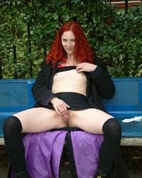 sex2me redhead-masturbation thumbs