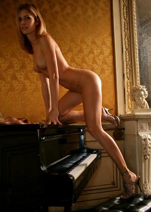 http://sexhd.pics/gallery/metart/iveta-vale/paradise-striptease-tumblr/
