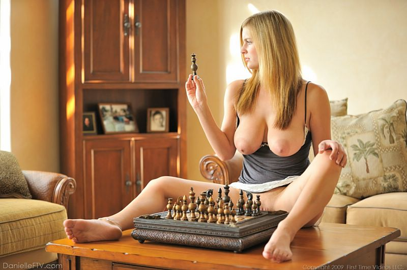 slimpics pics 1955 naked-girl-with-chess-pieces jpg