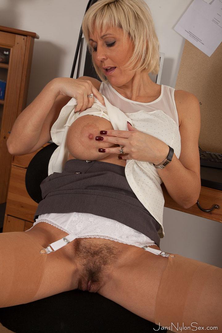 thehairylady blog sexy-secretary-jan-burton