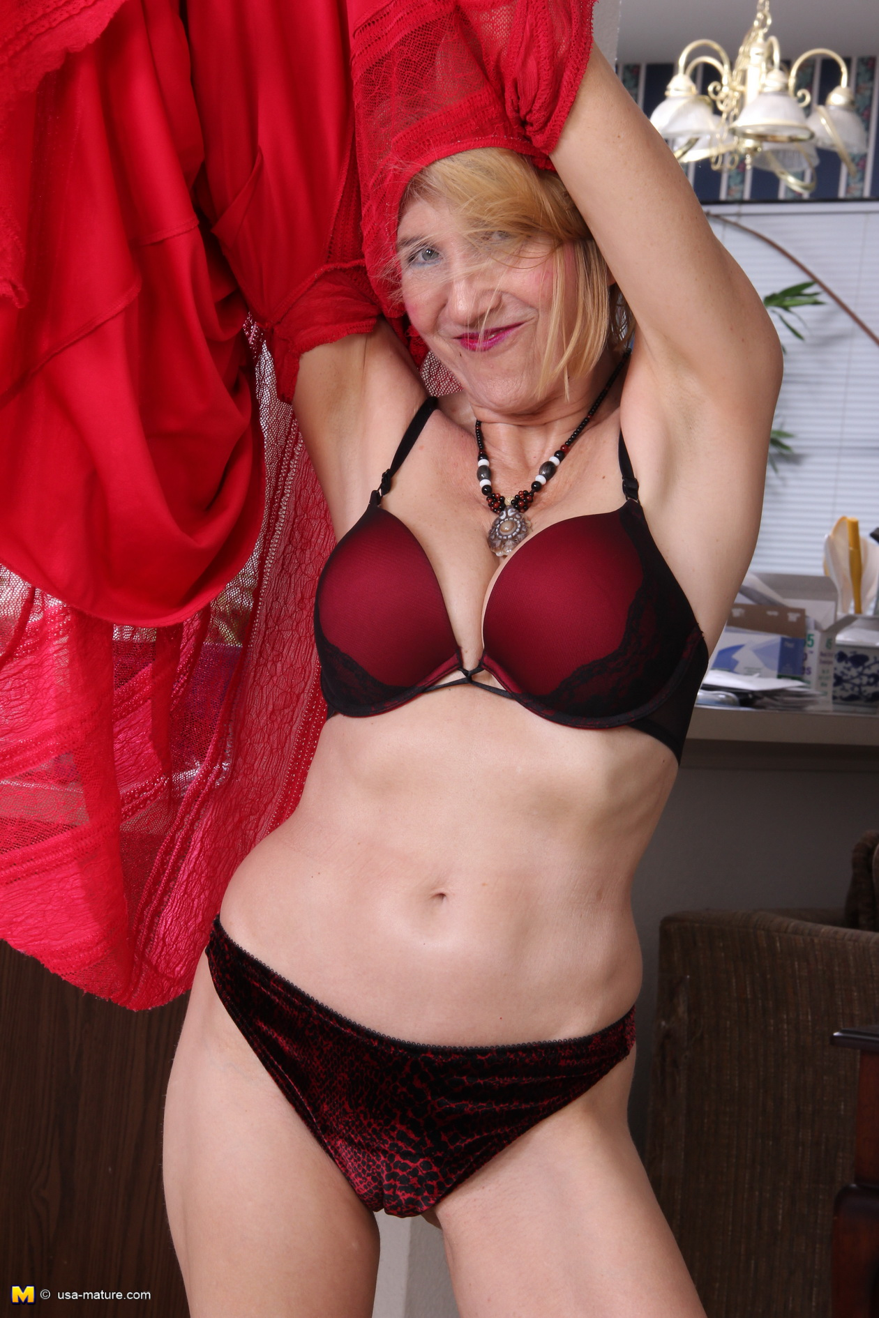 thehairylady blog hairy-american-housewife-3