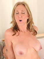 v2 angel-porns pics milfs allover30 7616-wa