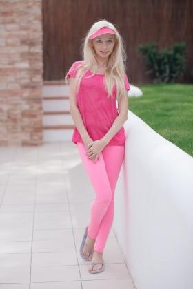 18onlygirlsblog pink-suits-me