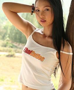 http://www.thaicuties.net/nats/100406_lin_si_yee_1/5/