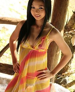 http://www.thaicuties.net/nats/130906_lin_si_yee_7/1/