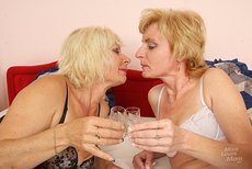 trypussy galleries lesbo-radima-lukava-20110915133559