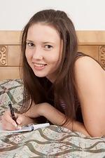 http://www.wearehairyfree.com/models/Iveta_Z/Iveta_Z_fingers_her_juicy_bush.html