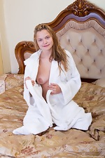 wearehairyfree models Ira_K Ira_K_disrobes_and_plays_in_the_bedrooom