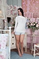 http://www.wearehairyfree.com/models/Roxy_Mendez/Roxy_Mendez_rocks_her_daisy_dukes.html