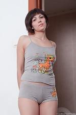 http://www.wearehairyfree.com/models/Sasha_M/Sasha_M_oils_up_her_perky_body.html