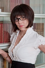 http://www.wearehairyfree.com/models/Sasha_M/Secretary_Sasha_M_is_turned_on.html