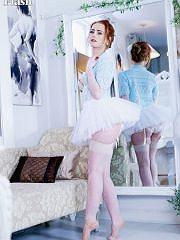 worldoffetish solo-nylon-models vintage-flash ella-hughes freeones