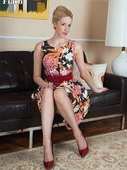http://www.worldoffetish.com/solo-nylon-models/vintage-flash/samantha-alexandra-sofa/freeones.html