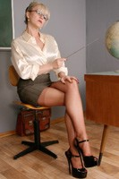 worldoffetish solo-nylon-models alina-heels teacher