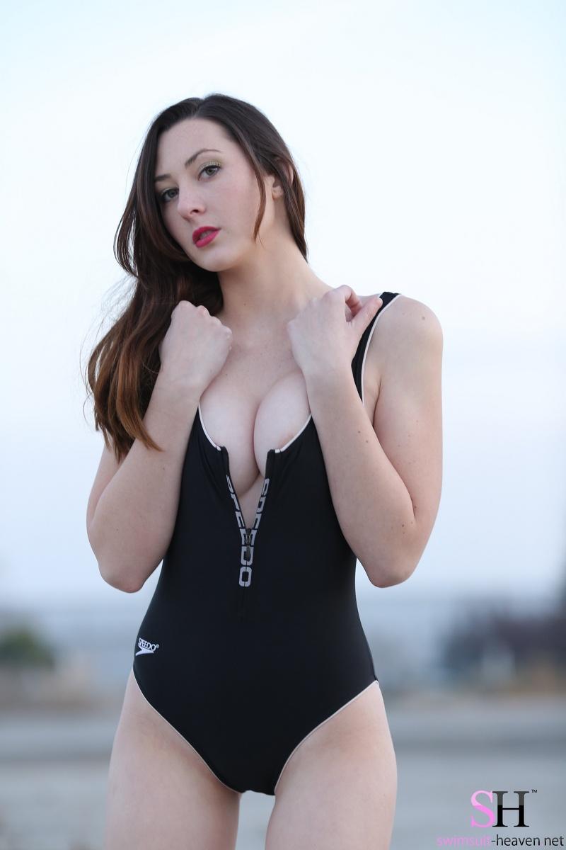 yourdailygirls galleries swimsuit-heaven swimsuit-heaven-jessica-zip-down swimsuit-heaven-10 jpg