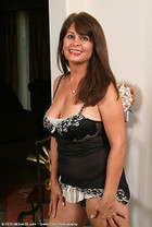 http://www.allover30free.com/mature/Veronika/Sr215M/MH/