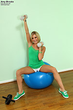 erotic-port hu site  php Latest als-scan-Amy-Brooke-wit-fit-ball