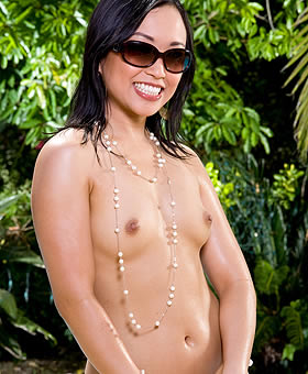 asian-porn-talent bella-ling-2 asian-bella-ling-1