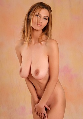 http://www.bestbosoms.com/galleries/mc-nudes/2007-01/vanessa/