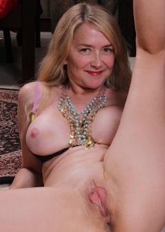 http://www.boobpedia.com/boobs/Eva_Griffin