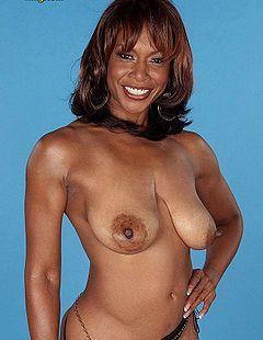 boobpedia boobs Semmie_DeSuora