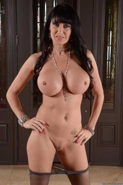 boobpedia boobs Eva_Karera