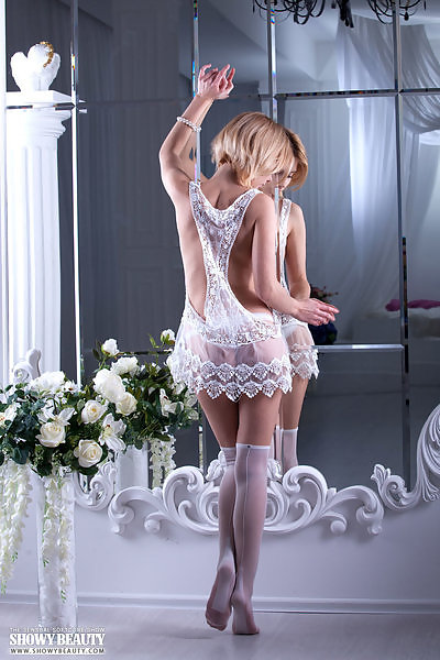brdteengal galleries showy-beauty lilu-in-delicate-lace-3700