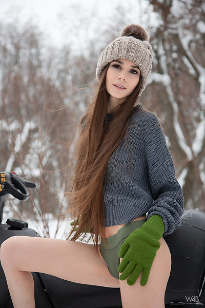 brdteengal galleries watch-4-beauty leona-mia-in-snowmobile-5201