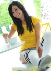 http://www.cherrynudes.com/catie-minx-breakfast/