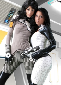http://www.cherrynudes.com/alila-vs-mira-cosplay/