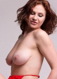 cherrynudes aphrodita-naked-chair-posing-domai
