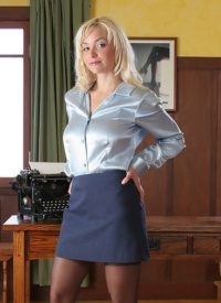 cherrynudes audrey-silky-secretary
