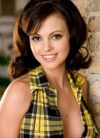 http://www.cherrynudes.com/bethanie-badertscher-cutie/
