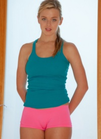 http://www.cherrynudes.com/bristol-everett-very-flexible-zishy/