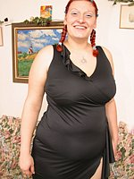 chubbywomengalleries fat sexy-redhead-modeling-fat-tits