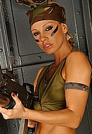 club-sandy net galleries mar2006 sandy_sexy_soldier