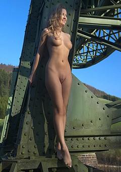 http://www.eroticperfection.com/gals/femjoy05rt.html