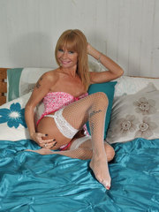 excitatory-nylon gallery mature-sexy-stockings-pictures-17