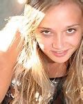 http://www.freehostedpics.com/hg/kristinafey/10/NDIxOjM6MQ/carstrip/
