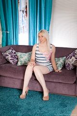 http://www.girlfur.com/wearehairy/Alison_Colins_beautiful_hairy_pussy_on_couch/Alison_Colins/0430