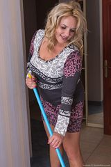 girlfur wearehairy Hot_and_hairy_housewife_Lariona_cleaning_up_for_us Lariona 08131