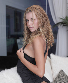 girlsnaked net gallery x-art-carmen-is-a-brazilian-beauty
