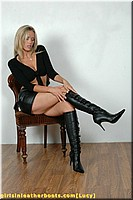 girlsinleatherboots public lucy2