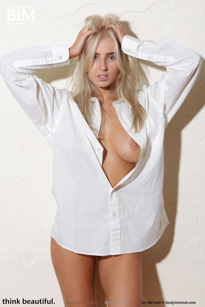 http://gyrls.com/lissy-in-a-white-shirt/