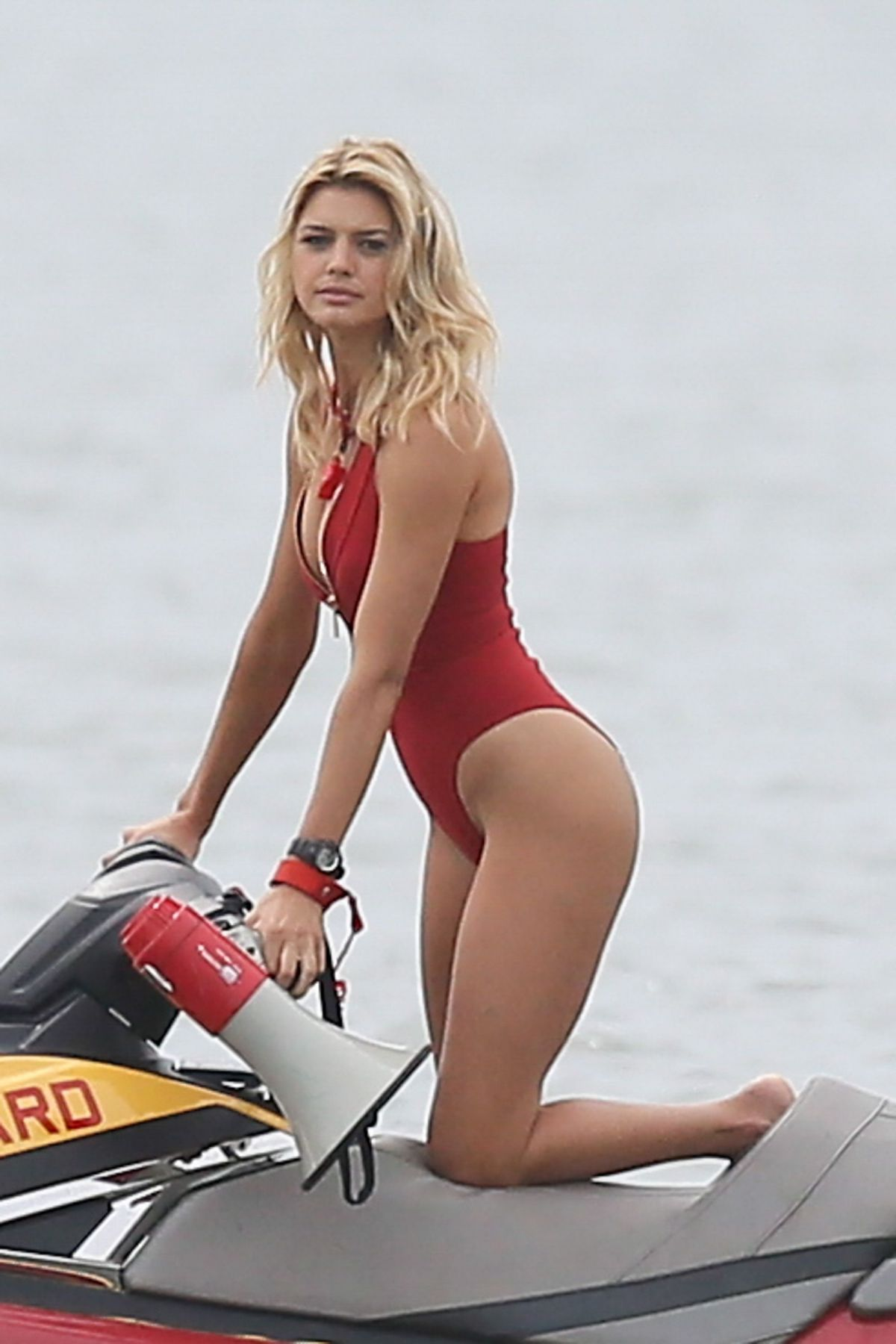 hawtcelebs kelly-rohrbach-swimsuit-set-baywatch-georgia-04202016