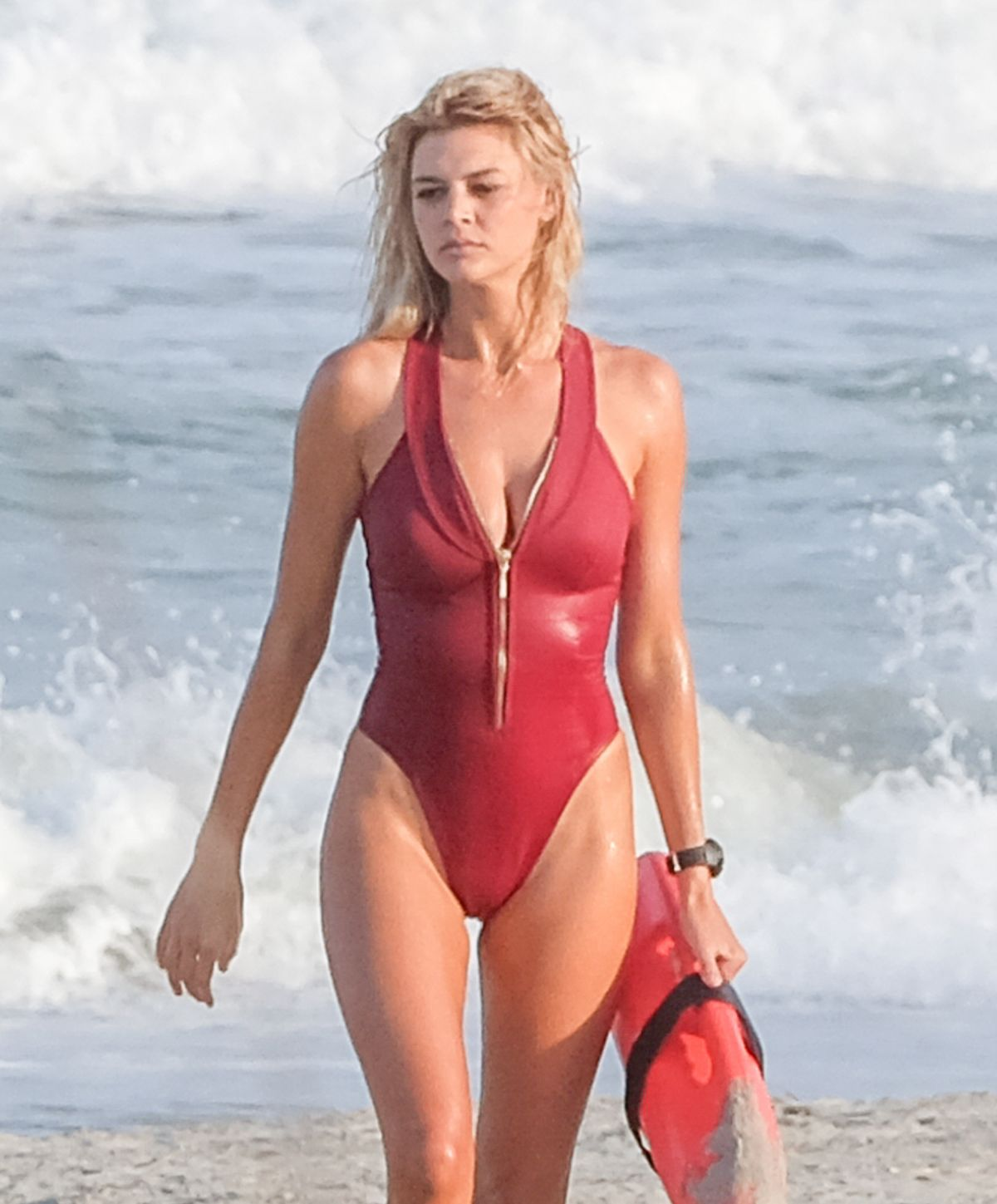 hawtcelebs kelly-rohrbach-swimsuit-set-baywatch-georgia-05032016