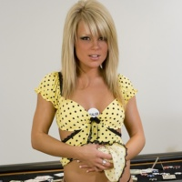 http://www.hottystop.com/meet-madden-strip-poker/